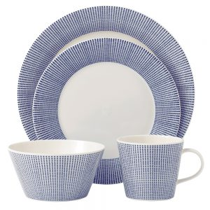 Royal Doulton Pacific Dinner Set